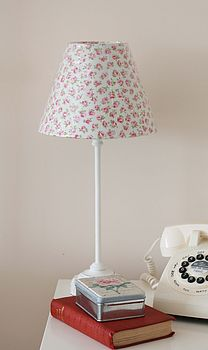 Table Lamp With Rosebud Shade