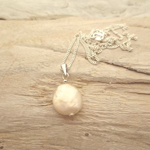 Coin Pearl Pendant Necklace