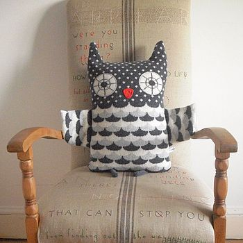 Knitted Lambswool Owl Cushion