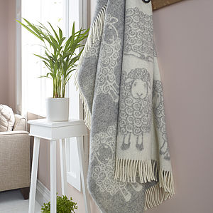 Curly Lamb Wool Blanket - bedroom