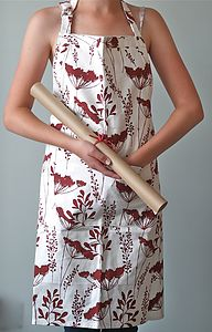 Wine Cowparsley Apron - baking