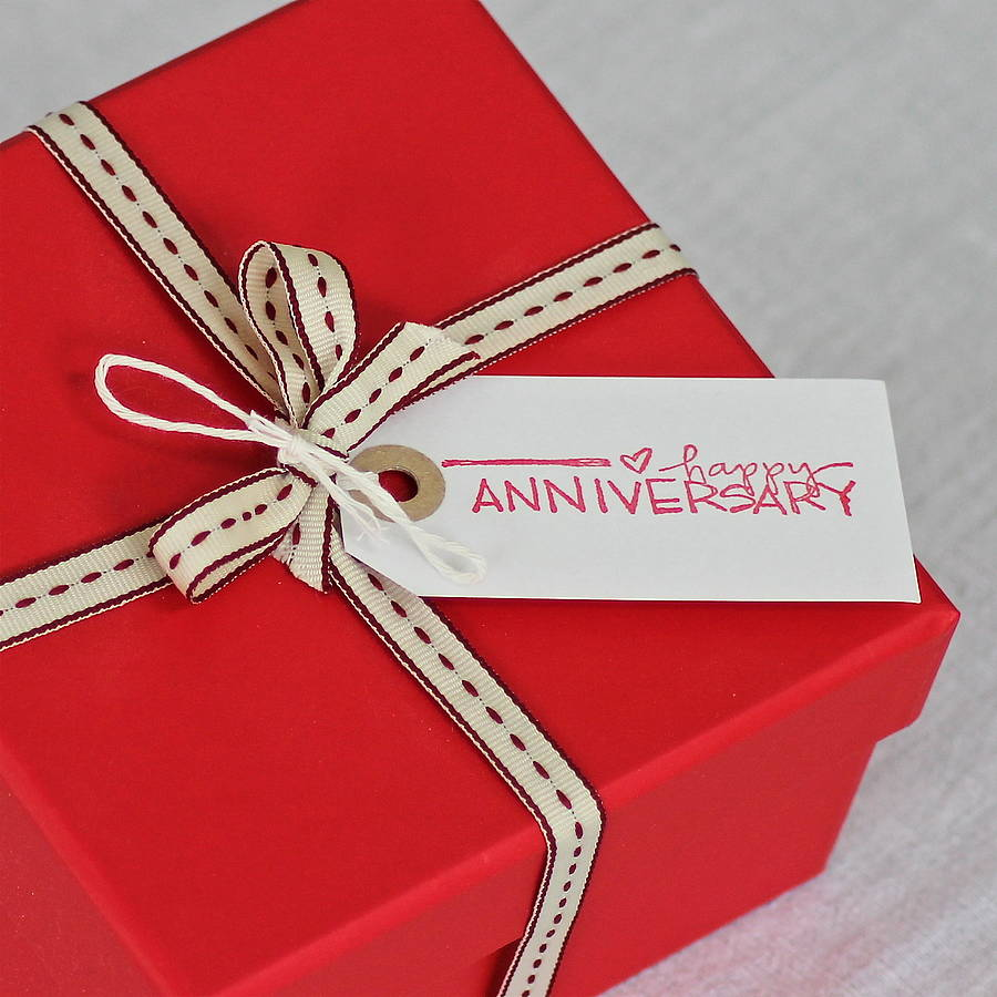 Happy anniversary gift tag by chapel cards