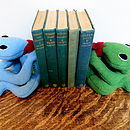 Bookend bean bag frogs