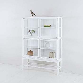 Charmant Scandinavian Glass Cabinet