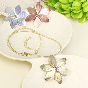 Flower Necklace - women's jewellery