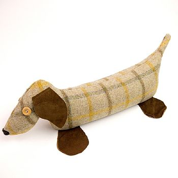 Wheat English tweed lavender door dog