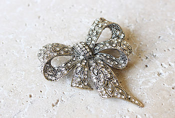 Vintage Style Bow Brooch