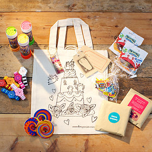 Colour In Party Activity Bag With Gifts - model & craft kits
