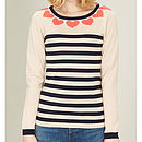 Thumb blushing heart jumper