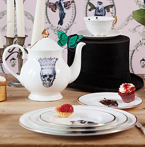 Skull In Crown Jubilee Teapot - tea & coffee cosies