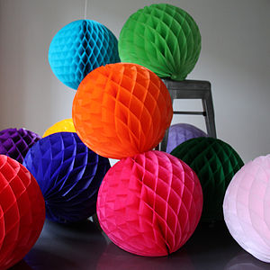 Paper Luxe 30cm Honeycomb Tissue Balls - living room