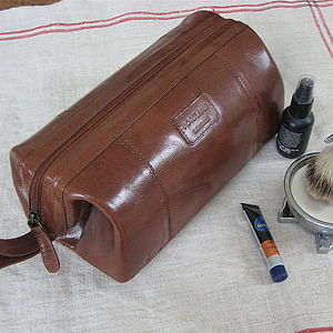 Leather Washbag - bathroom