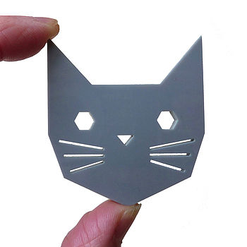 Geo Cat Brooch Grey