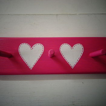 Stitched Heart Peg Rack_Seaside Rock
