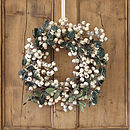 White Snowberry Christmas Wreath