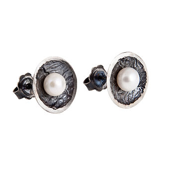 Moon Drop Studs With Pearls: Large