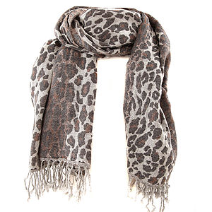 10% Off Grey Animal Print Wool Scarf