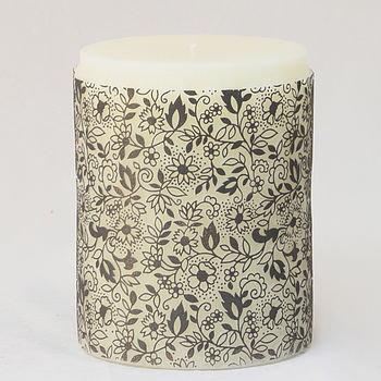 Clovelly Handcrafted Medium Candle Graphite on Clotted Cream
