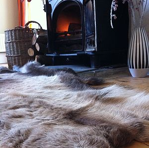 Thick And Luxurious Reindeer Skin - bedroom