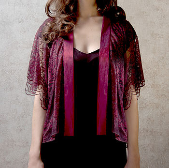 Cathleen Kimono Jacket In Garnet Lace