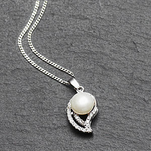 Curved Crystal And Pearl Necklace