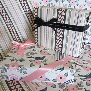 Hearts And Flowers Gift Wrap Set
