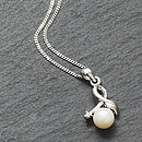 Leaf Knot Freshwater Pearl Necklace