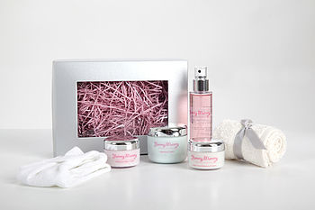 Pregnancy Glow Skincare Gift Set For Dry Skin