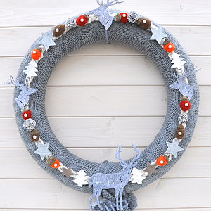 Knitted Wreaths With Pompoms - wreaths