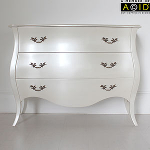 Curvy Large Three Drawer Chest - bedroom