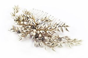 Pearl Fearn Comb - head pieces