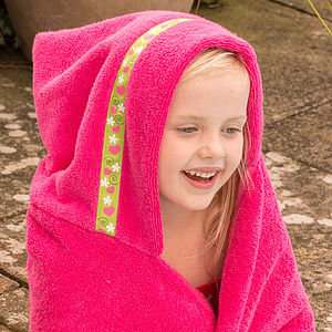 Girl's Hooded Swimming Towel - bathtime