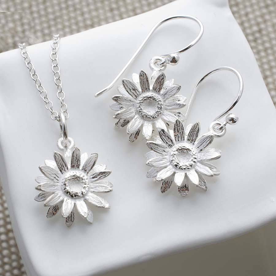Sterling silver daisy jewellery set by martha jackson for Same day jewelry repair