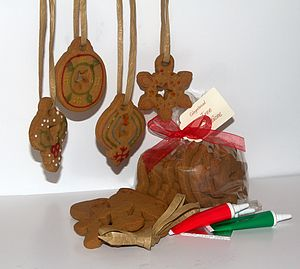 Gingerbread Christmas Tree Decoration Kit - biscuits