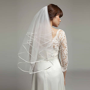 Alicia Satin Edged Short Bridal Veil - bridal-edit