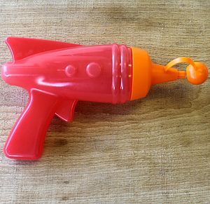 Ketchup Ray Gun - kitchen