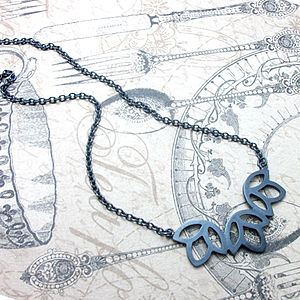 Silver Triple Bud Necklace