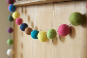 Freckle Felt Ball Garland - parties
