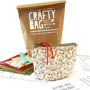 Crafty Bag D.I.Y Fabric Zippered Pouch - sewing & knitting