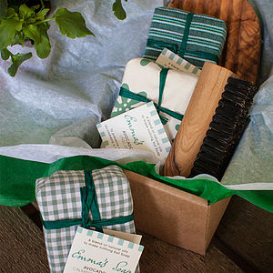 Gardener's Soap Gift Box - bath & body