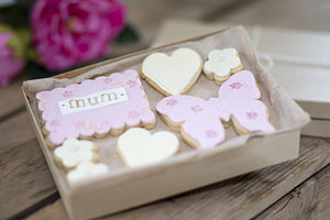 Box Of Mum Gift Cookies - gifts by budget