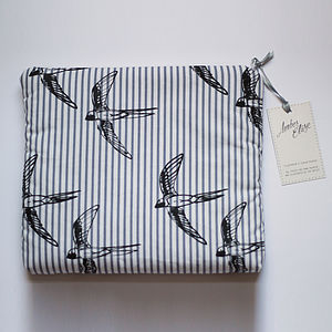 Cosmetics And Travel Bag With Swallows Print - wash & toiletry bags