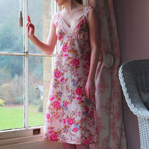 Nightie With Straps And Lace Trim In Pink Rose Print