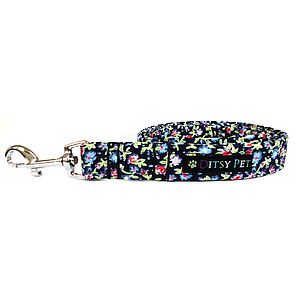 Heather Floral Dog Lead - walking