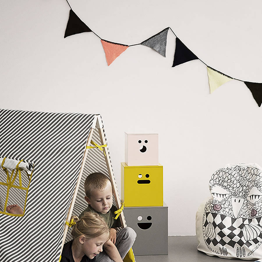 Tiny Home Designs: Vintage Style Knitted Bunting Garland By Little Baby