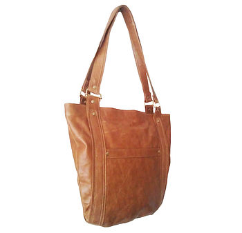 Buu Leather Shoulder Bag: Tan