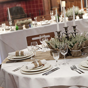 Wide Hessian Runners For Circular Tables