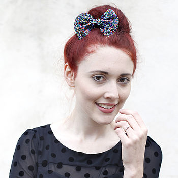 medium glitter hair bow in parrot