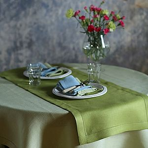 Linen Runner Emilia Rainforest Green