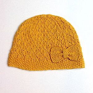 Textured Hat With Bow In Organic Cotton